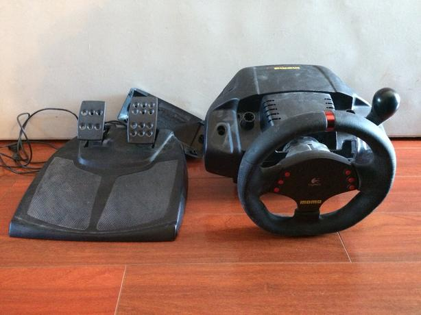 steering wheel and pedals for PC racing games