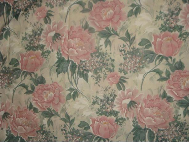 "Shabby Chic Floral Material  91"" inch length X 35"" inch wide"