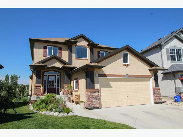 www.47JohnMann.com - Beautiful Large Home Backing Onto Park!