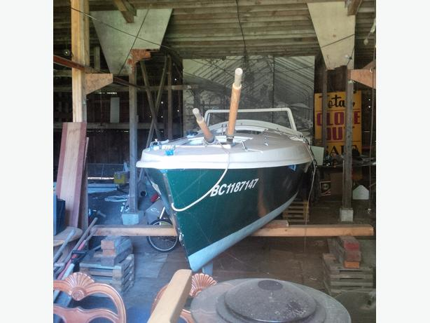 Dovekie 21' side-keeled sailboat, $1500 OBO