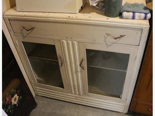 Vintage Art deco style white cabinet