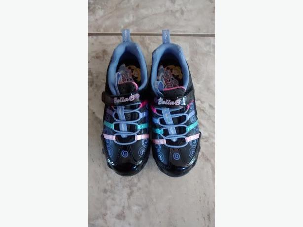 Brand New - Girls Sketchers Bella Ballerina Sneakers - Size 11