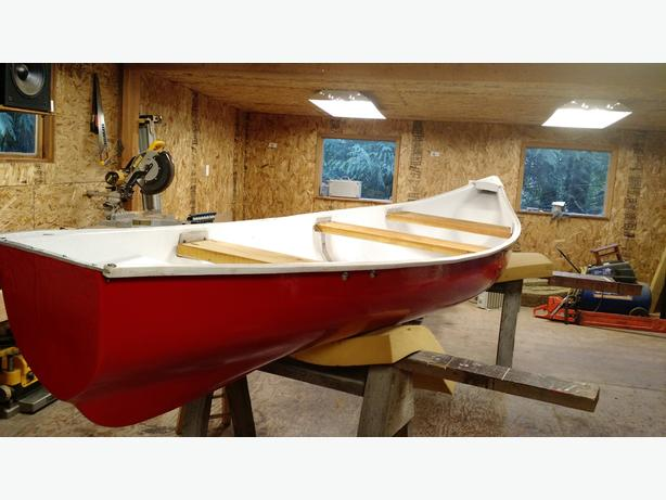 16 FOOT FLAT BACK CANOE FOR SALE