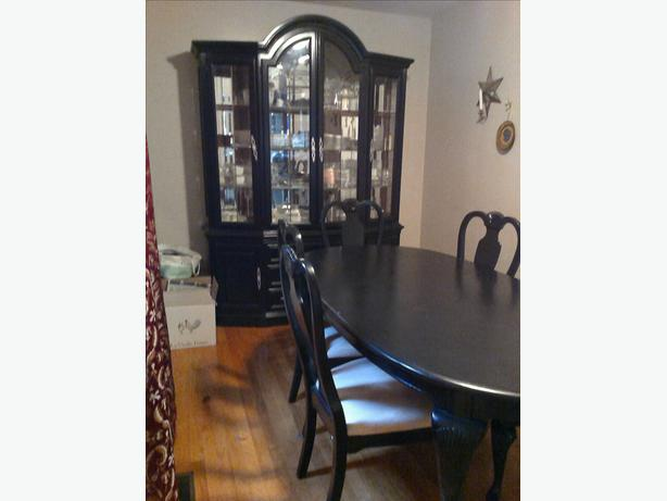 Complete dining room set cabinet table and 6 chairs for Complete dining room sets