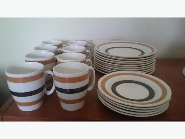 1950's-60's Colleen Kitchenware dinnerware