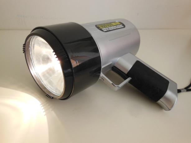 Rechargeable 1 Million CandlePower Spotlight with Carrying Case