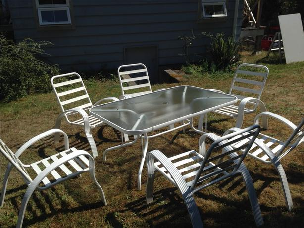 White Patio Table And Chair Set: Six White Patio Chairs And Table Set Saanich, Victoria