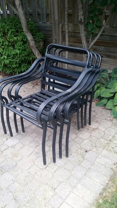 Free patio furniture no cushions no umbrella central for Outdoor furniture ottawa