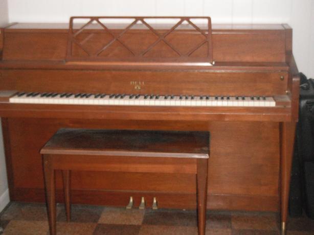 Apartment size piano moose jaw regina Small size piano