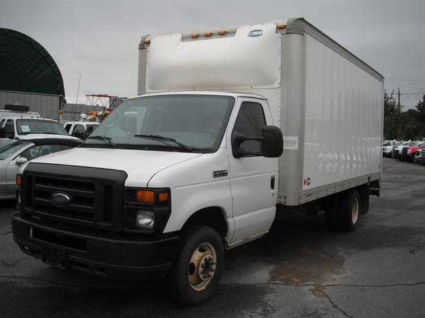 2010 Ford Econoline E-350 Dually Diesel Cube Van