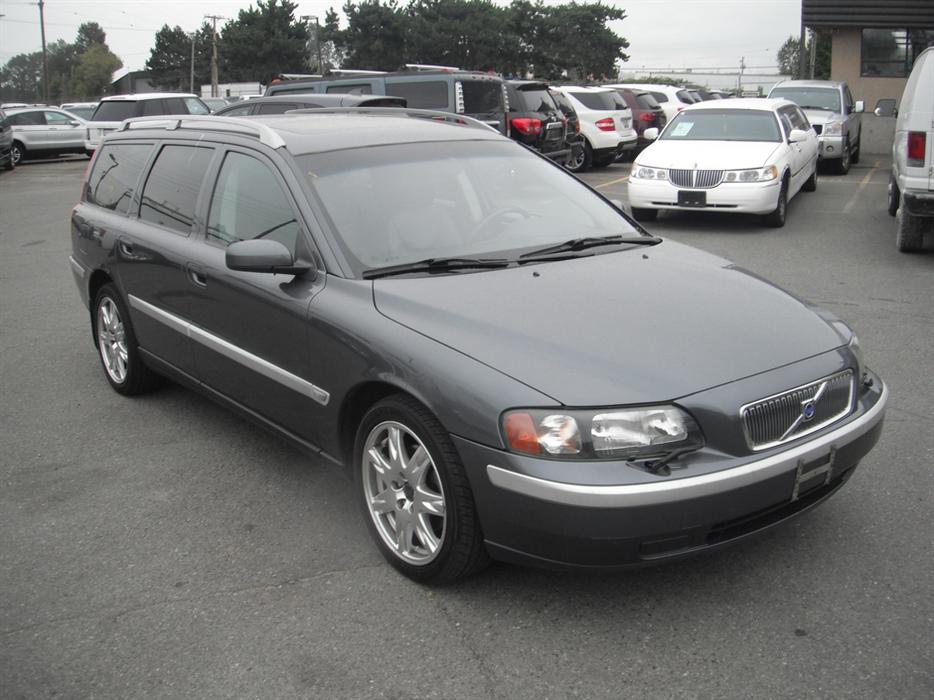 2004 volvo v70 2 5t wagon outside comox valley comox valley mobile. Black Bedroom Furniture Sets. Home Design Ideas