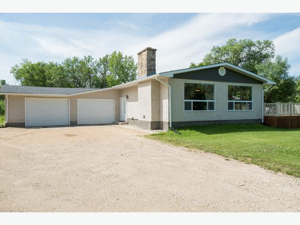 Great House on a Large Lot Minutes From the Perimeter - Jennifer Queen