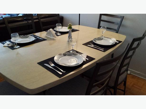 NEW PRICE! Dining Table with 6 chairs