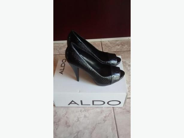 Brand New - Ladies Beautiful ALDO Shoes - Size 9