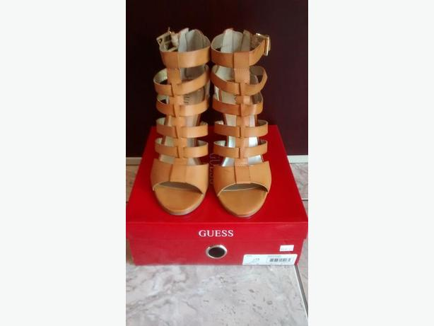 Brand New - Beautiful Tan GUESS Shoes - Size 9
