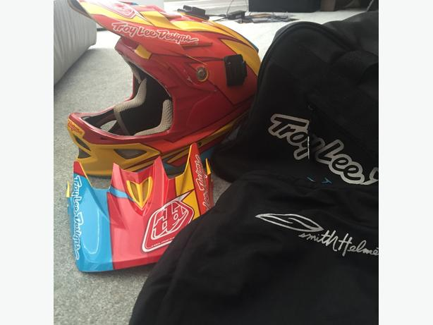 troy lee helmet size small