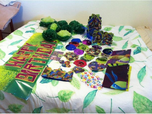 FREE: Teenage Mutant Ninja Turtle decorations