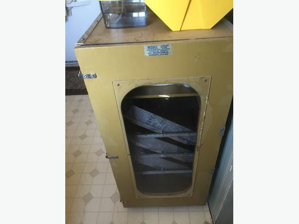 Sportsman 1202 cabinet incubator