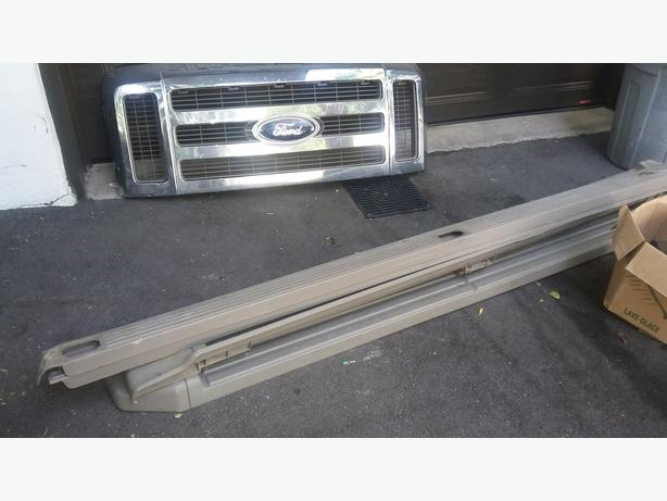 URGENT! CHROME FRONT 2008 FORD F350 SUPERDUTY + Marchepieds
