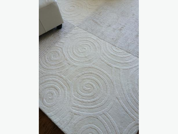 Area Rug - Wool & Viscose - 8' x 10'