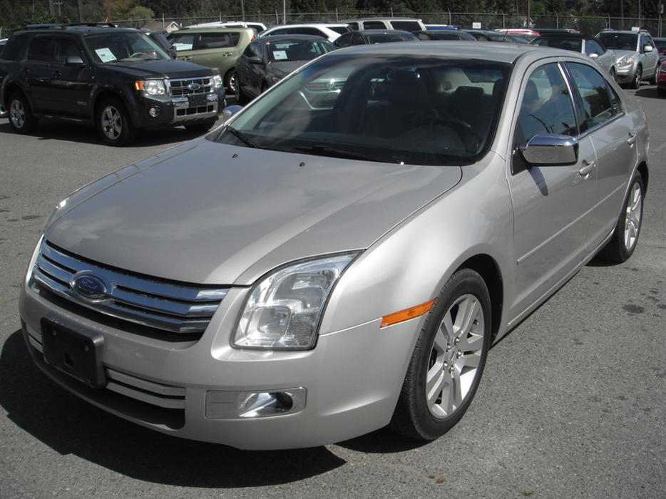 2007 ford fusion sel outside comox valley comox valley. Black Bedroom Furniture Sets. Home Design Ideas