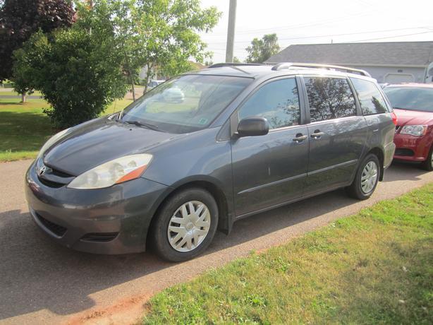 2007 toyota sienna minivan for sale as is summerside pei. Black Bedroom Furniture Sets. Home Design Ideas