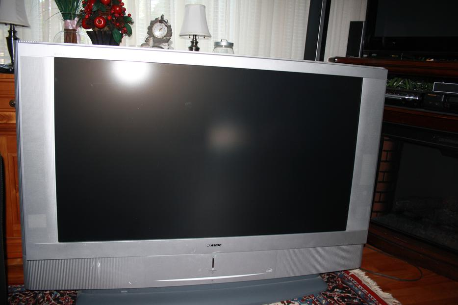 big sony 60 inches tv for sale hull sector quebec ottawa. Black Bedroom Furniture Sets. Home Design Ideas