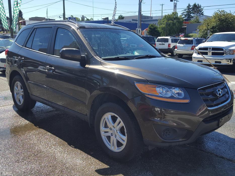 2011 Hyundai Sante Fe Gl Reduced Outside Cowichan