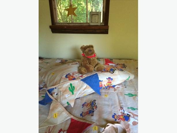 Twin Duvet Cover,Pillow Case,Bunting and Teddy
