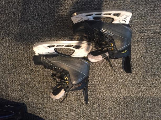 Bauer Supreme 170 Skates Junior Size 5D