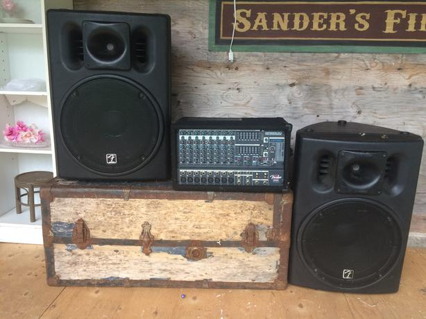 Powerful Fender PA System for sale - Ready to go!