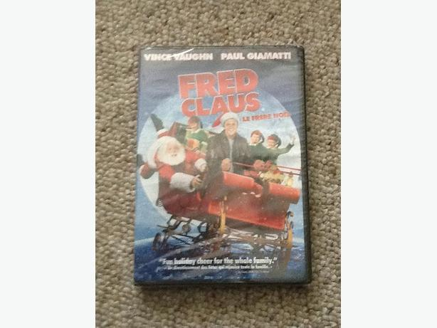 Fred Claus (Vince Vaughn and Paul Giamatti)