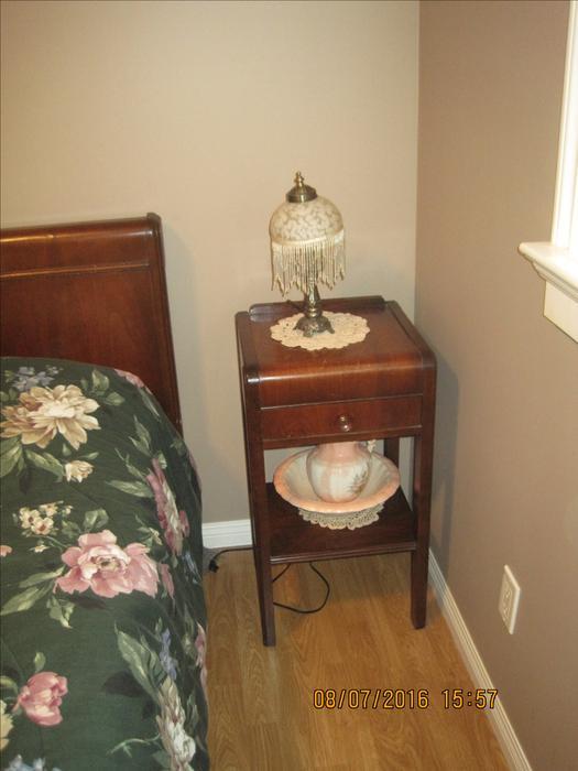 Antique bedroom suite campbell river courtenay comox for Vintage bedroom suite