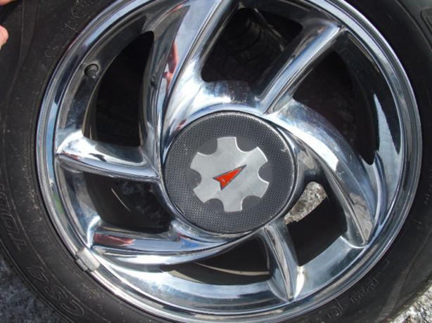 "RARE & BEAUTY ! 5X115-17"" OEM GM CHROME WHEELS !!"