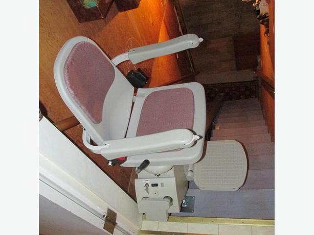 ACORN STAIRLIFT ELEVATOR CHAIRS with Tracks/two/Excellent Cond!