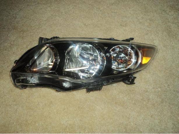 2012 Toyota Corolla left head light