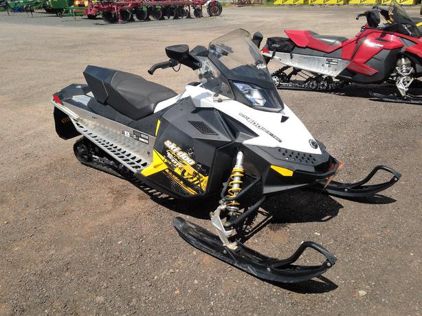 2011 MXZ TNT 600 E-Tec Snowmobile