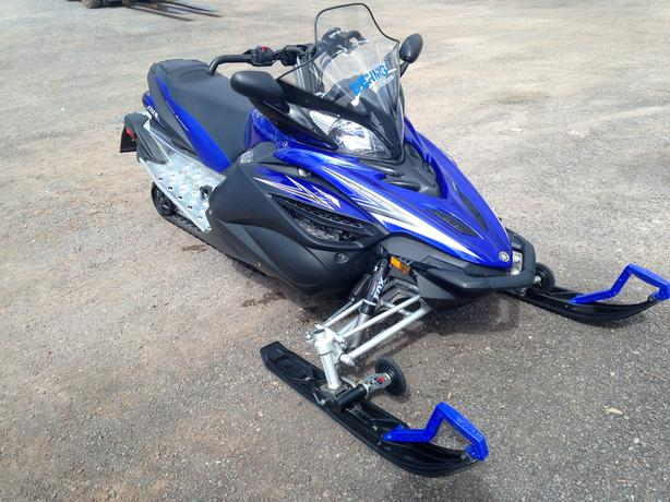 2011 Yamaha Apex SE Snowmobile
