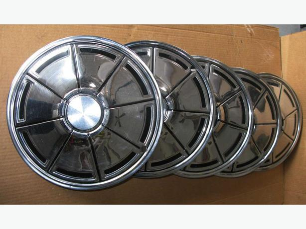 5 Antique Dodge Hubcaps