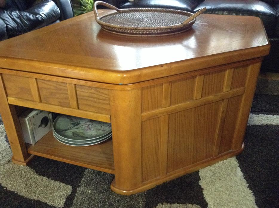 Coffee table with lift top and storage north regina regina for Coffee tables regina