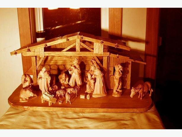 $1,850 · ANTIQUE GERMAN NATIVITY SCENE HAND-CARVED, X-MAS SCENE