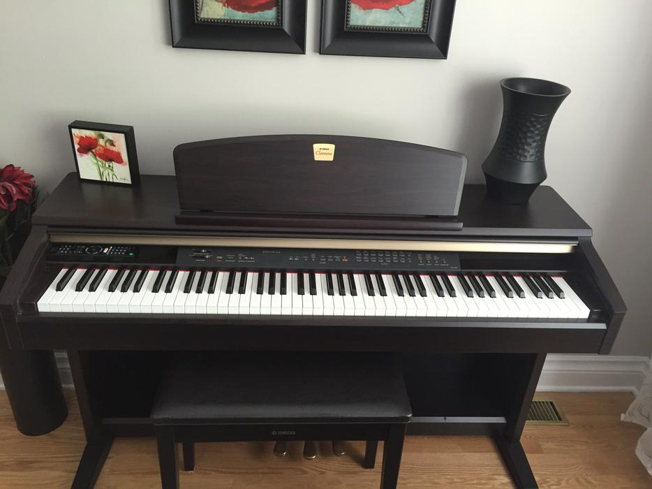 electric piano yamaha clavinova clp 130 saanich victoria. Black Bedroom Furniture Sets. Home Design Ideas