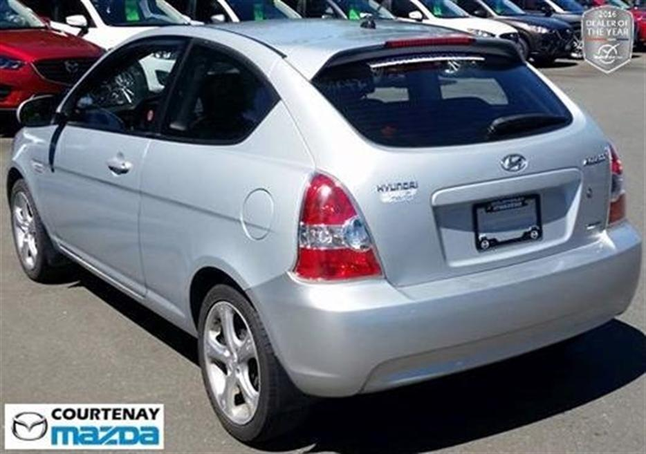 2010 hyundai accent 3dr gl sport 5sp outside nanaimo. Black Bedroom Furniture Sets. Home Design Ideas