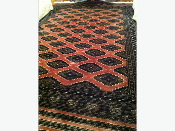 Unique oriental rug