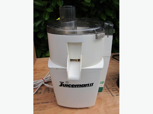 Juicer with Accessories