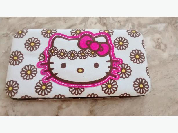 BRAND NEW - Beautiful Hello Kitty Wallet!