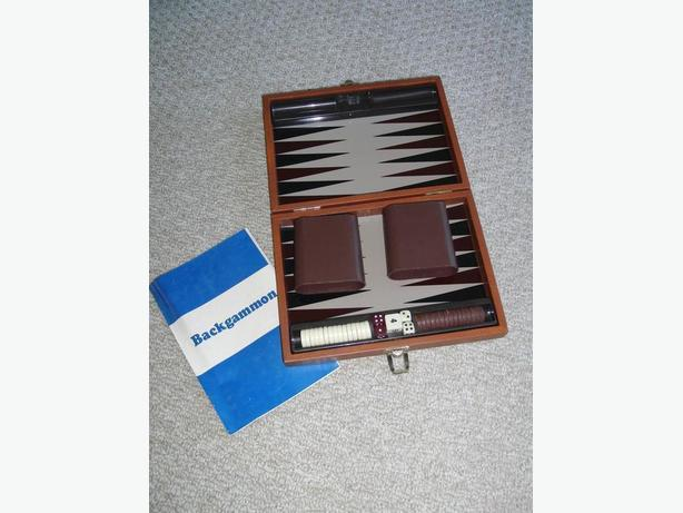 Small Backgammon Set