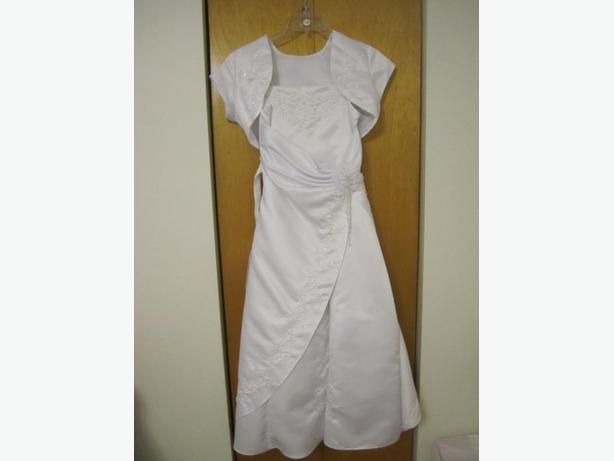 AUBAINE /BARGAIN!!! White Dress /Jolie robe blanc Size/taille 12