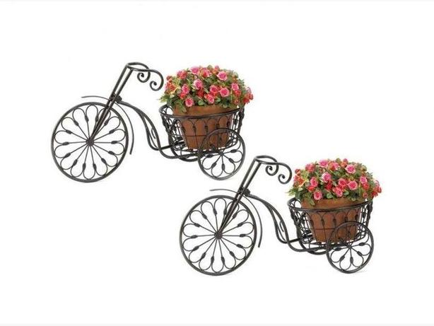 Old-Fashioned Black Tricycle Bicycle Plant Stand with Basket Planter Set of 2