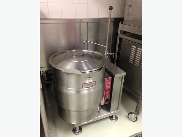 Garland Convection Range, 40qt Kettle, Accutemp Steamers